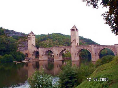 גשר וולנטרה - אדריכלות גותת מרשימה