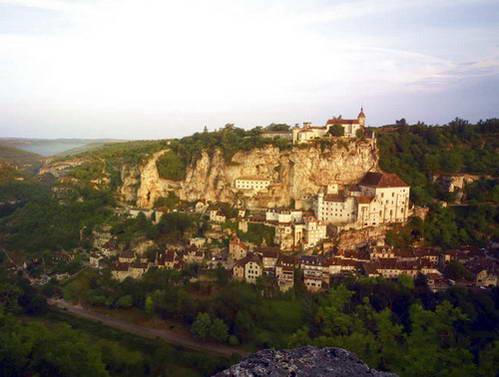 הכפר רוקאמדור, מאתרי התיירות החשובים של צרפת