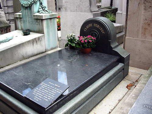 קברו של המלחין קלוד דביסי בבית הקברות פאסי