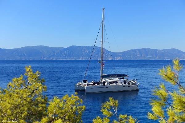 הפלגה בין איי יוון