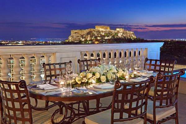 תצפית על האקרופוליס ממלון קינג ג'ורג' באתונה