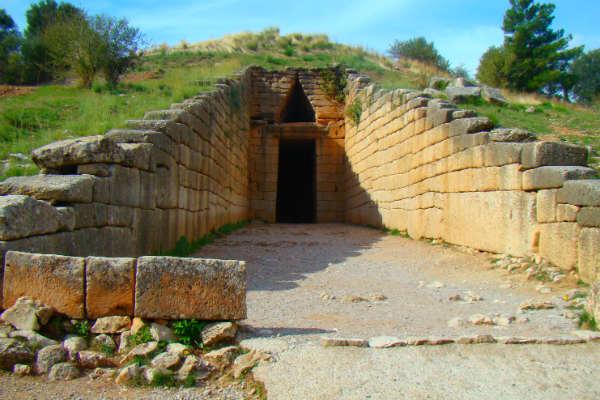 טולוס בחצי האי פלפונסוס