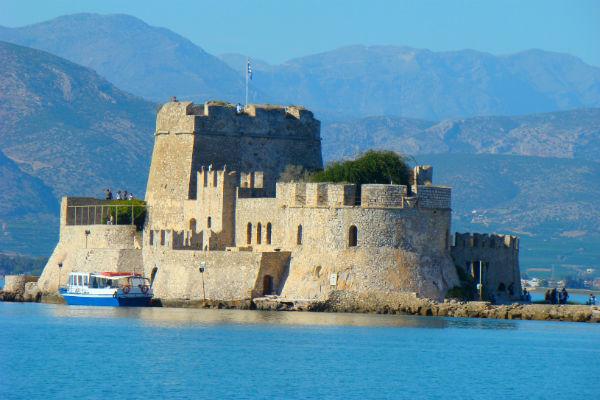 מבצר בפלפלו, יוון