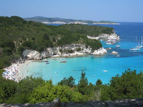 האי הקטן אנטי-פאקסוס, איפירוס, יוון