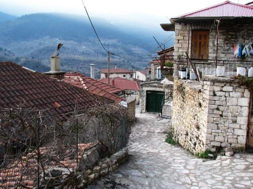 כפר ציורי ביוון ההררית, טיול ג'יפים משפחתי