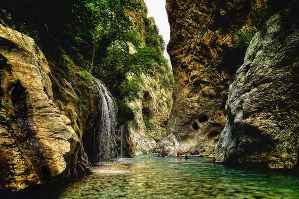 רפטינג בצפון יוון, נהר אראכטוס