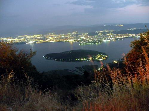 יואנינה והאי הקטן על אגם פביוטיס, יוון