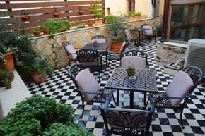 מלון קאלרי, יואנינה, צפון יוון