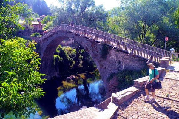 גשר אבן בכפר וובוסה, צפון יוון
