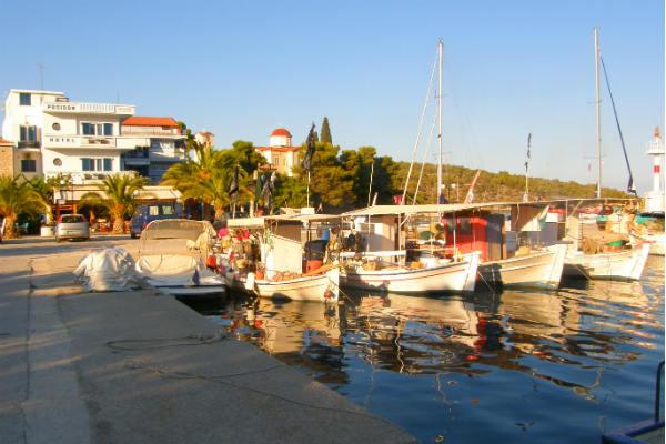 אפידברוס, איים סארוניים