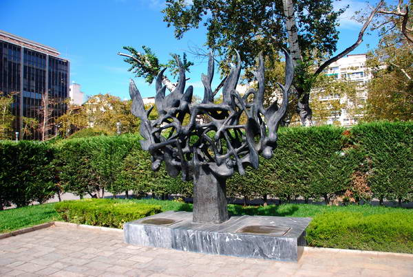 אנדרטה ליהודי סלוניקי, צפון יוון