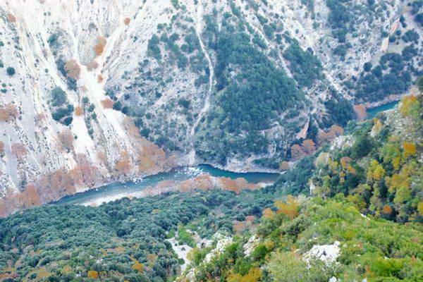 נהר אראחטוס, צומרקה, צפון יוון