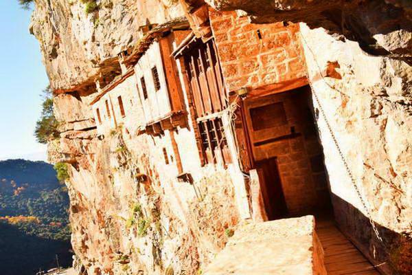 מנזר קיפינה, צומרקה, צפון יוון