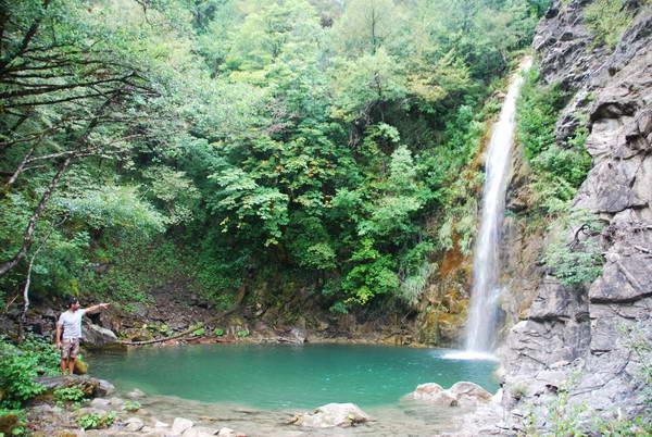 איליוחורי, מפלים, זגוריה, צפון יוון