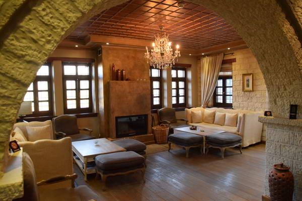 מלון אברציו בכפר אריסטי, אחילס