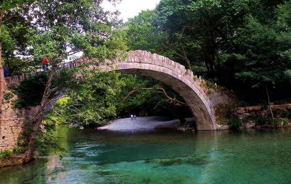 גשר קלידוניה בחבל זגוריה, יוון