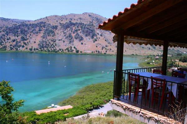 אגם קורנאס הוא אגם המים המתוקים היחיד בכרתים