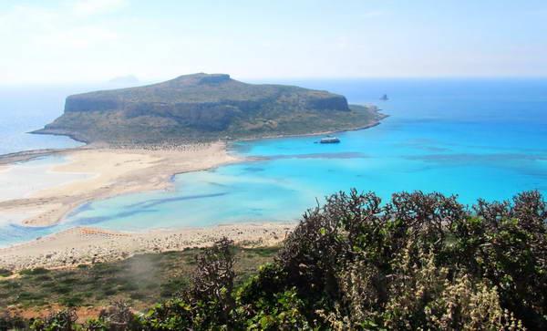 תצפית מחוף באלוס אל עבר מפרץ קיסאמוס
