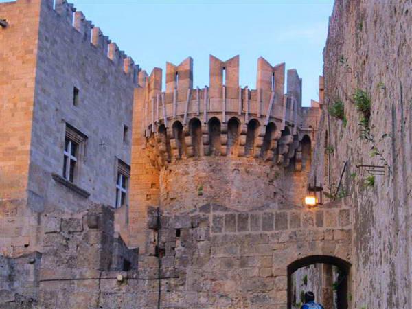 רודוס, חומות העיר העתיקה
