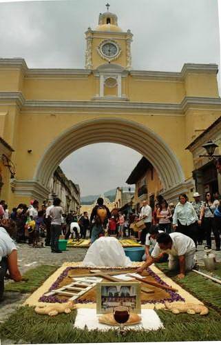 השטיחים בחגיגות הפסחא, אנטיגואה, גואטמלה