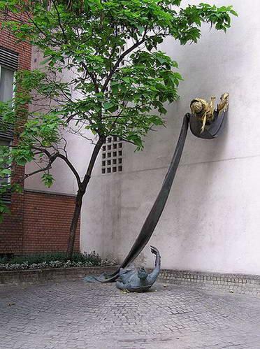 אנדרטה לזכרו של חסיד אומות עולם קארל לוץ