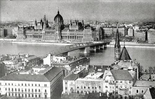 גשר קושוט בתצלום מגלויה ישנה, בודפשט