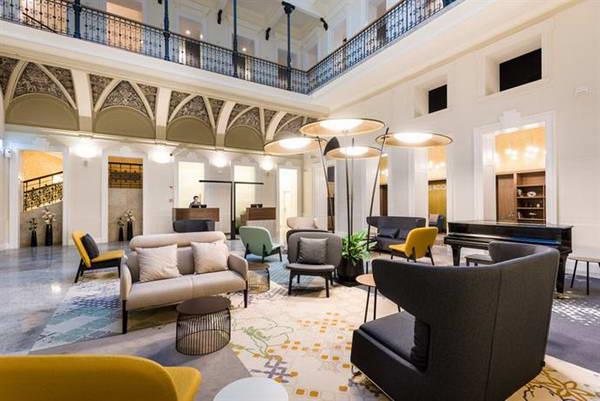 מלון מומנטס בודפשט, מלון מומלץ במרכז בודפשט