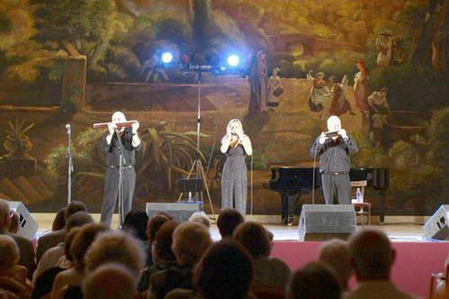 שלישיית אדלר בהופעה במכון לתרבות איטליה