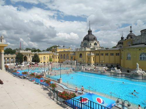 מרחצאות שצ'ייני בבודפשט