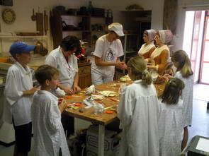 סדנה להכנת מרציפן בעיירה סנטנדרה, טיולי יום מבודפשט