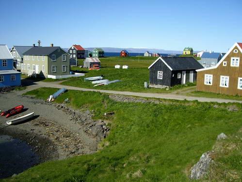 בתים אופייניים לאיסלנד