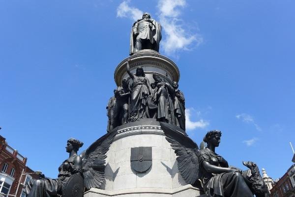 פסלו של דניאל או'קונל בדבלין, אירלנד