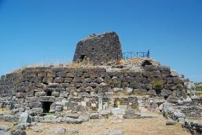 שריד מבנה נוראגה בסרדיניה