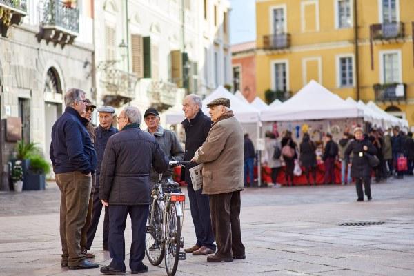 גברים מבוגרים בפרובינציית אוריסטנו בסרדיניה