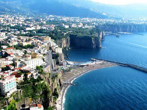 דרום איטליה, מצוקי סורנטו