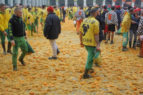 קרנבל התפוזים בפיימונטה