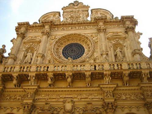 חזית כנסיית סנטה קרוצ'ה, לצ'ה, פוליה