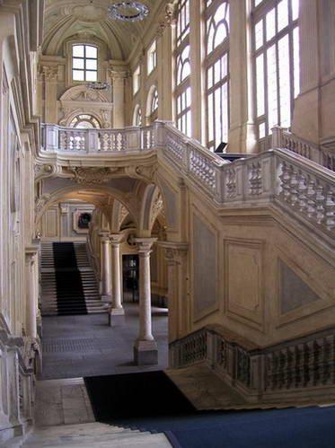 גרמי מדרגות בפאלאצו מאדאמה, טורינו, איטליה