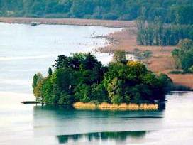 האי וירג'יניה באגם וארזה, צפון איטליה
