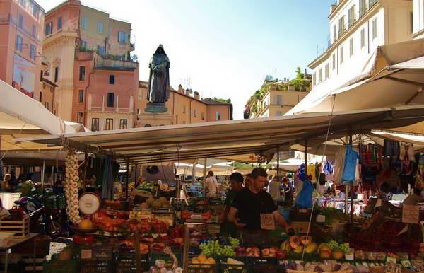כיכר קמפו דה פיורי, רומא