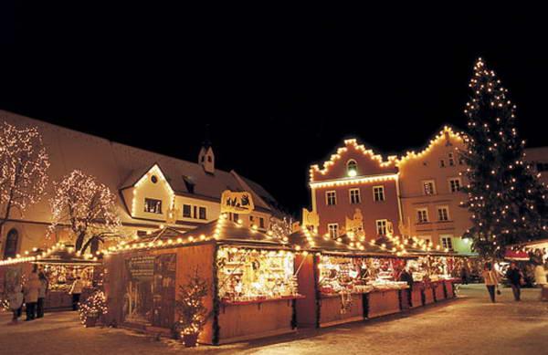 שווק חג המולד, ברסנונה, איטליה