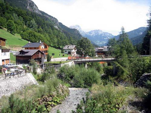 הכפר סוטוגודה, איטליה