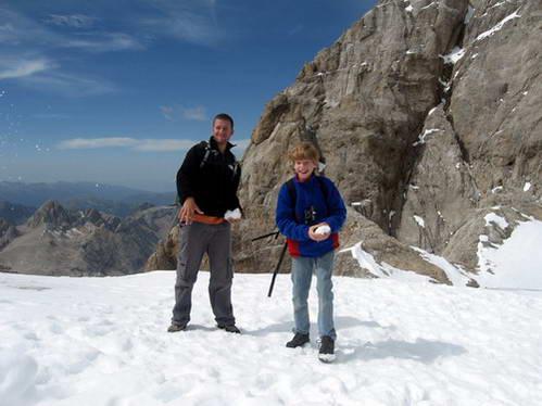 על פסגת המרמולדה בשיא הקיץ, איטליה