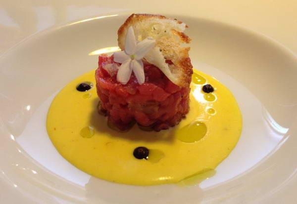 אוכל איטלקי, ויטלו טונאטו