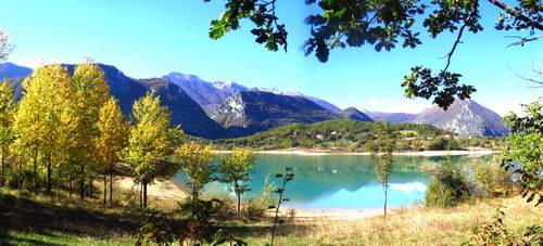 דרום איטליה,  מוליזה, אגם קקסטל סן וינסנצו