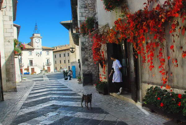 דרום איטליה, אברוצו, פסקוקוסטנצה