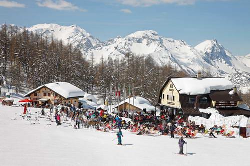 העיירה ססטרייר, סקי באיטליה