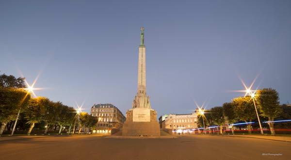 אנדרטת החירות, ריגה, לטביה