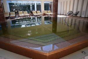 מלון ואנגופה בעיירת הנופש פלאנגה