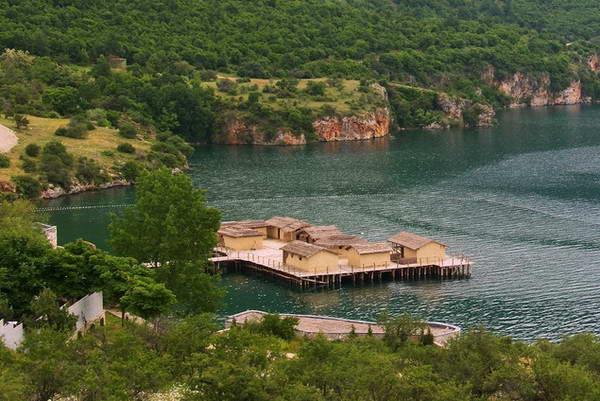מקדוניה, אגם אוחריד, כפר נאוליטי